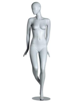 location mannequin pour vitrine en fibre de verre femme Paris